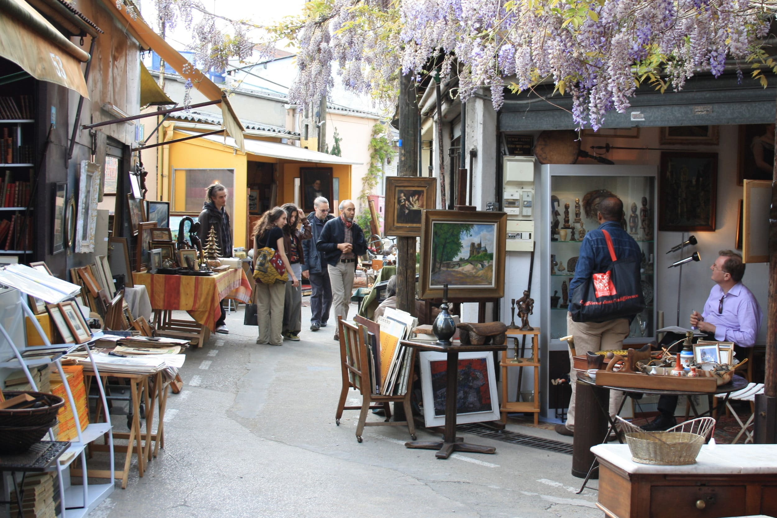 Things to do in Paris: Les Puces de Saint-Ouen