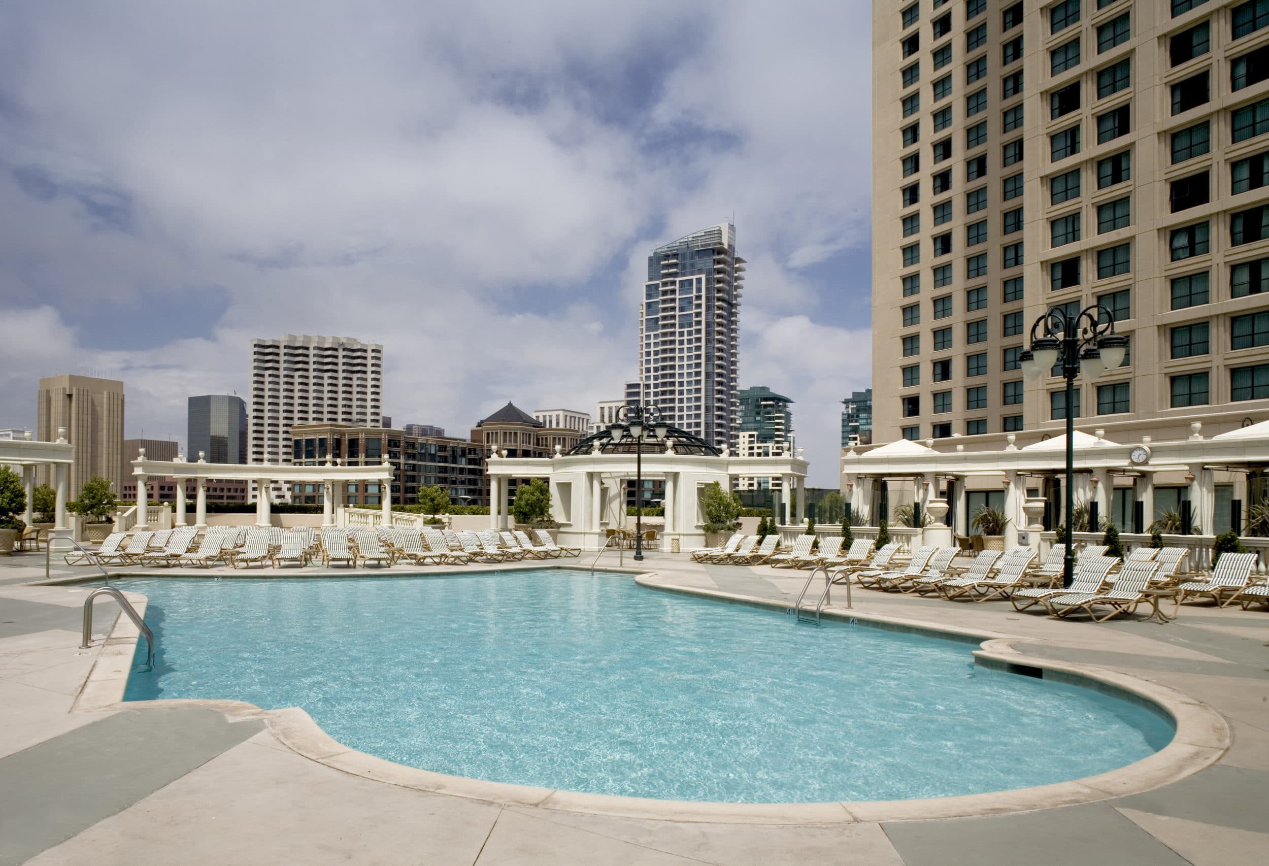 Manchester Grand Hyatt San Diego pool