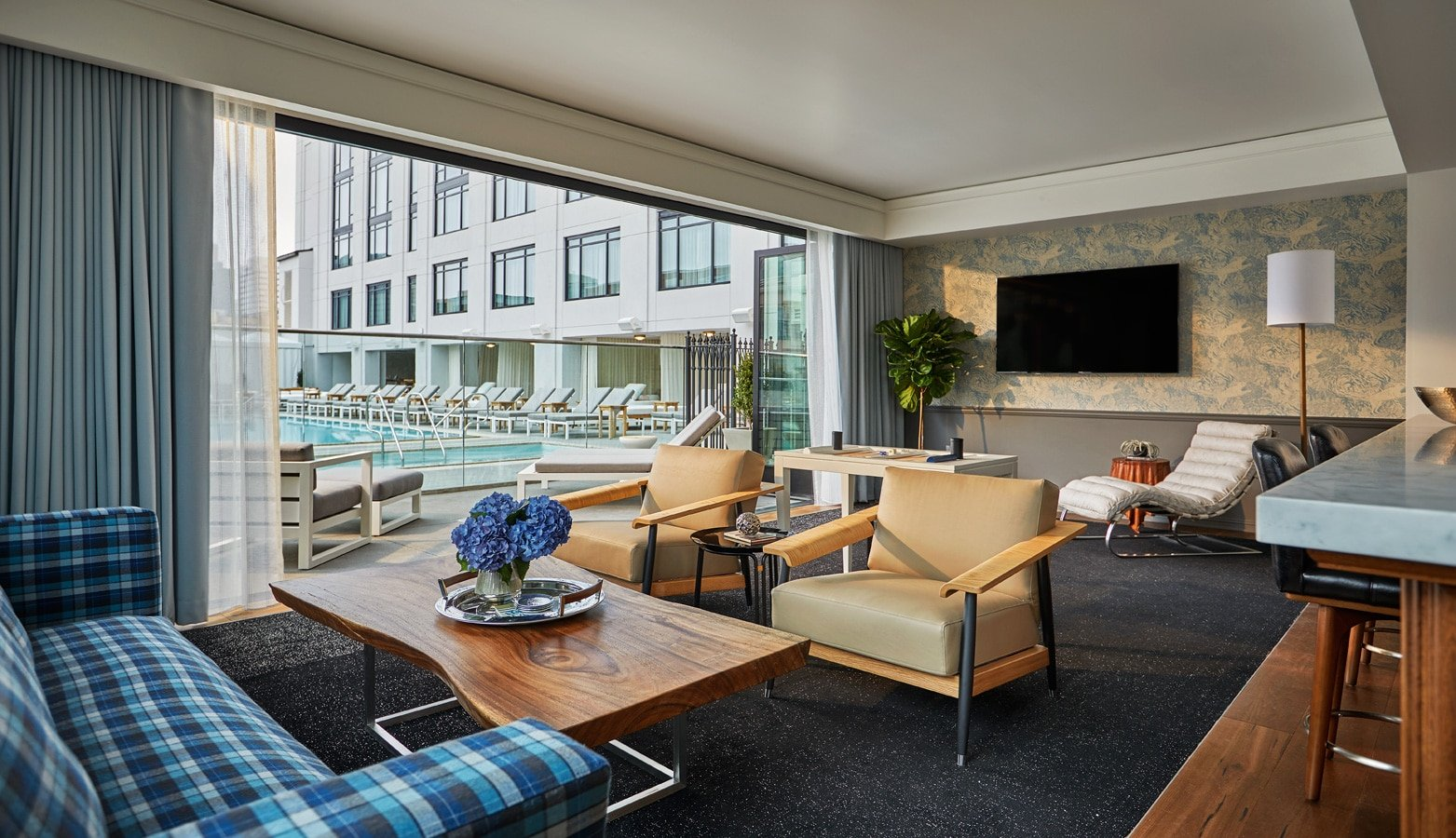 Pendry San Diego Pool Cabana Suite