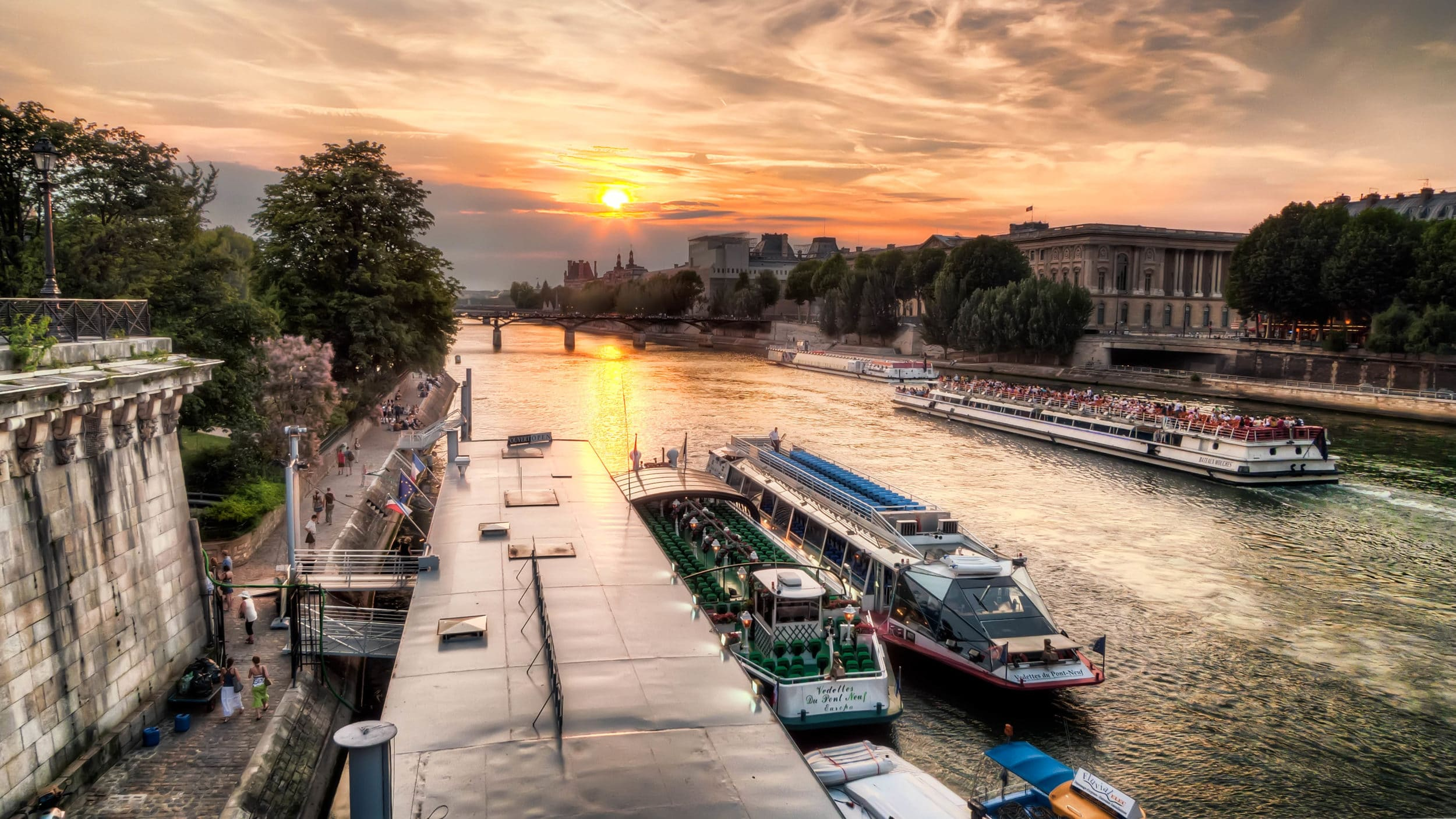 Things to do in Paris: Seine cruise with Bateaux Mouches