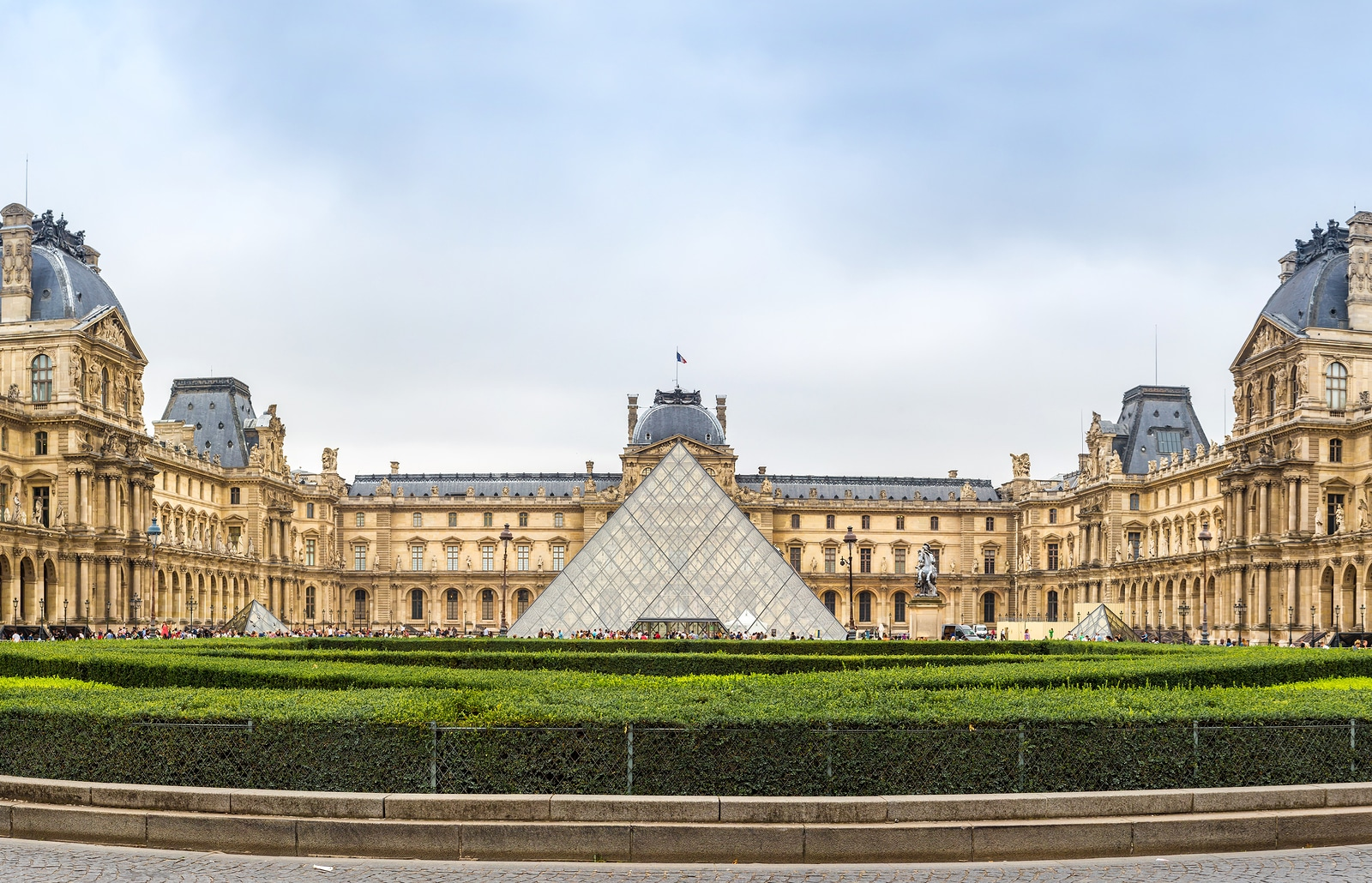 Things to do in Paris: Visit the Louvre museum