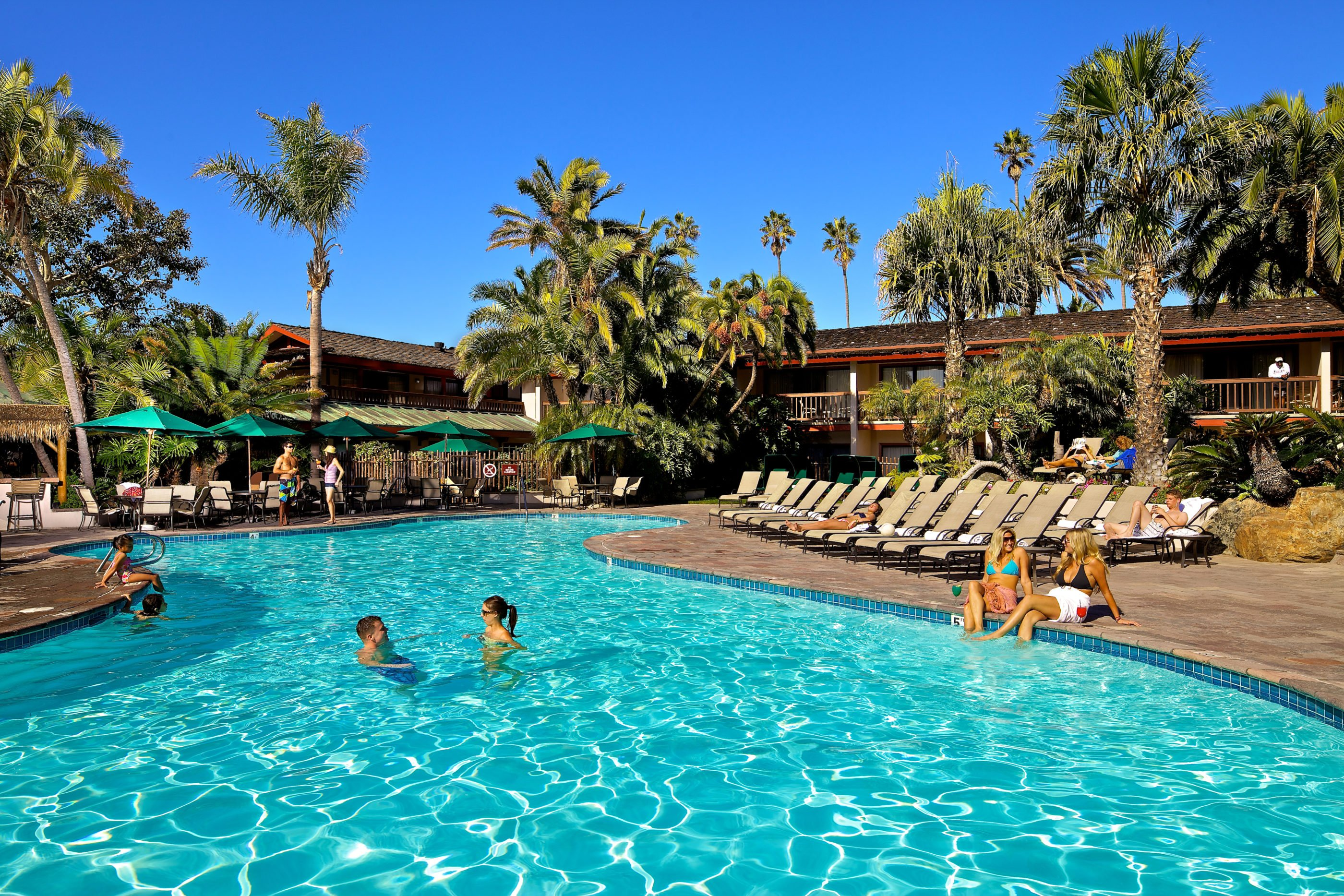catamaran resort hotel pool san diego