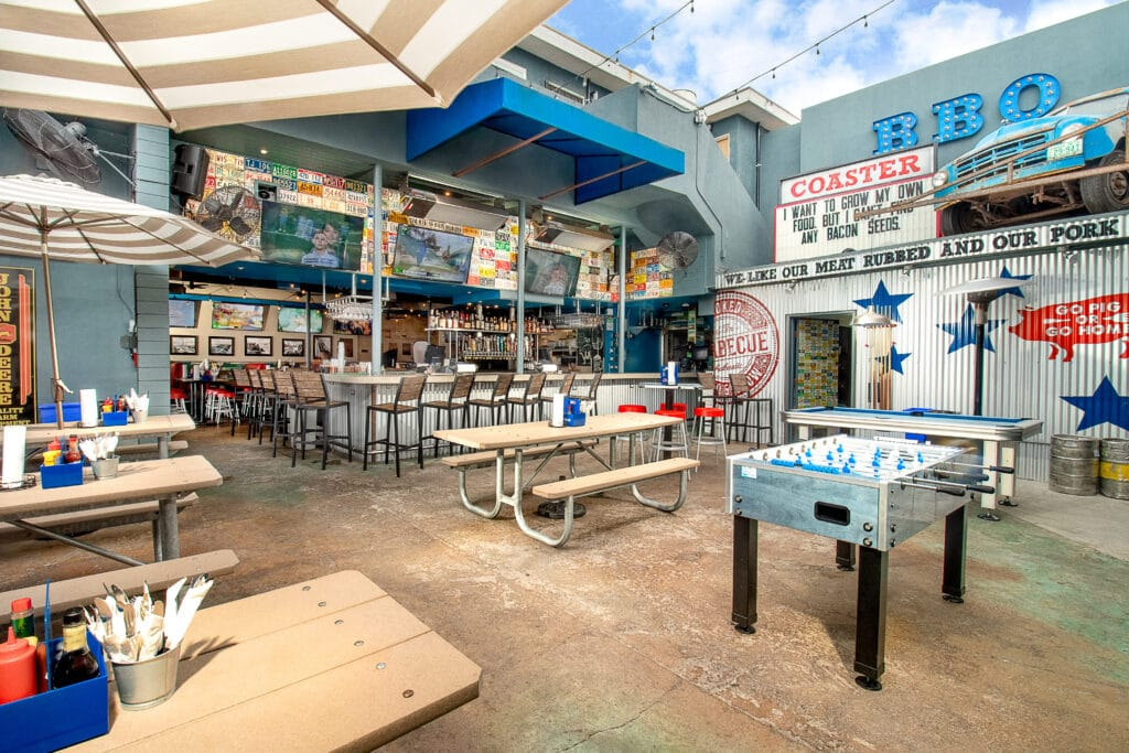 Restaurant Spotlight Coaster Saloon In Mission Beach La