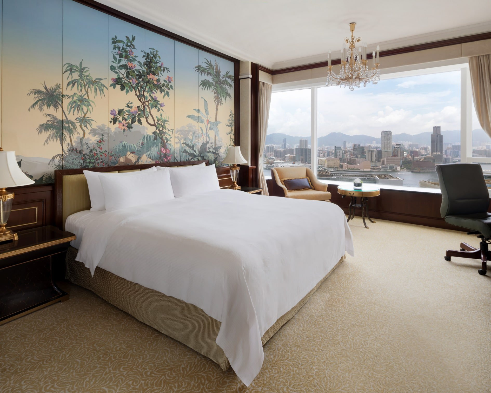 Island Shangri-La Hong Kong Harbor View Suite King