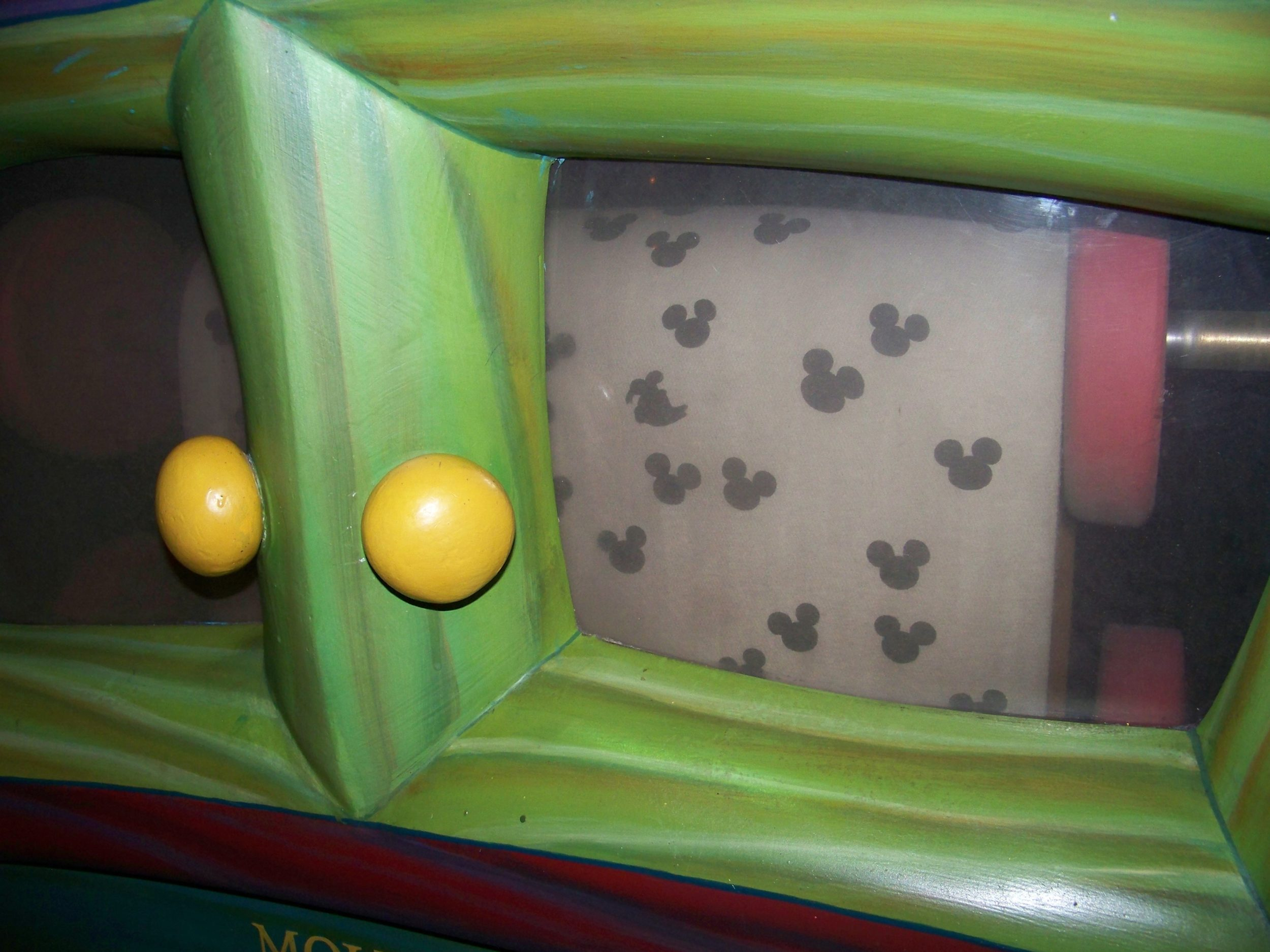 Hidden Mickeys Disneyland: Mickey's Piano