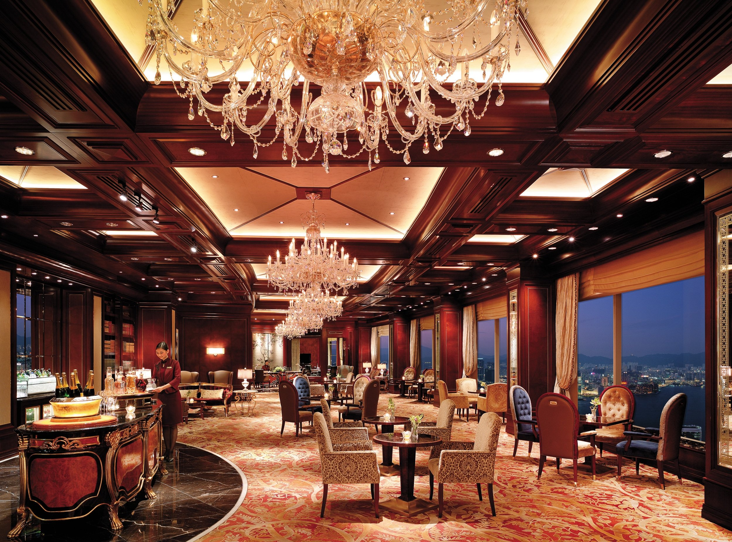 Horizon Club at Island Shangri-la Hong Kong luxury hotel