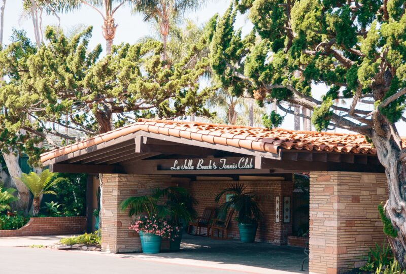la jolla beach and tennis club entrance