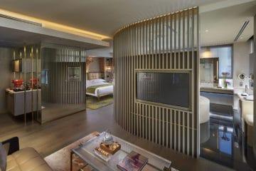 The Landmark Mandarin Oriental, Hong Kong luxury hotel