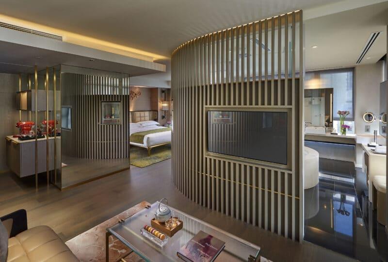 landmark mandarin oriental hong kong luxury hotel