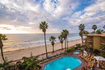 Pacific Terrace Hotel, beachfront in Pacific Beach San Diego