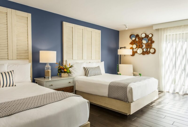 paradise point san diego double bed guest room