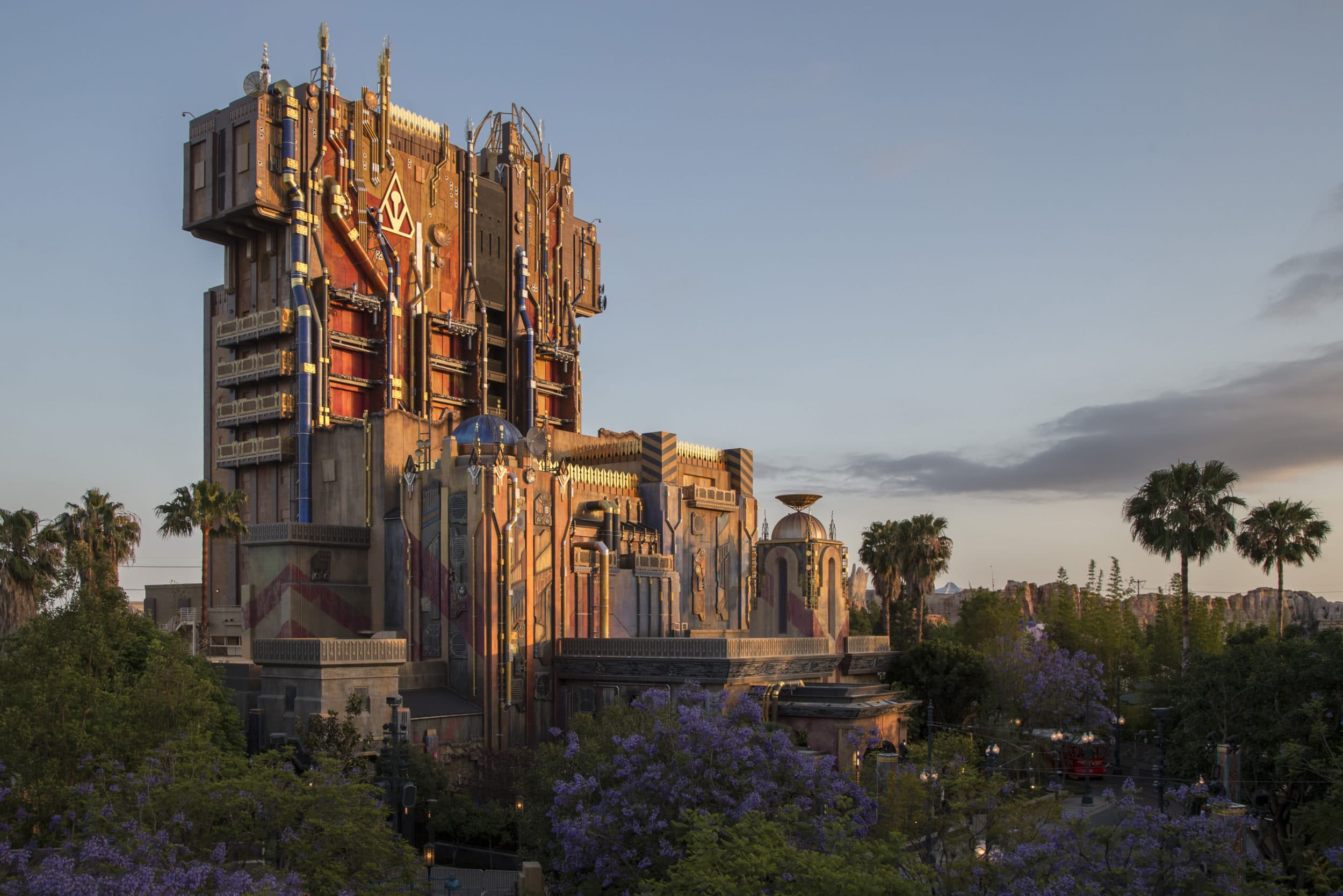 Disney California Adventure Rides: Guardians of the Galaxy--Mission: BREAKOUT!