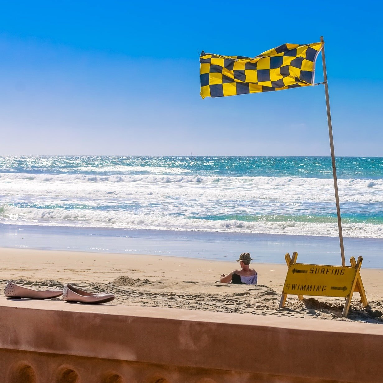 Checkered flag at Mission Beach