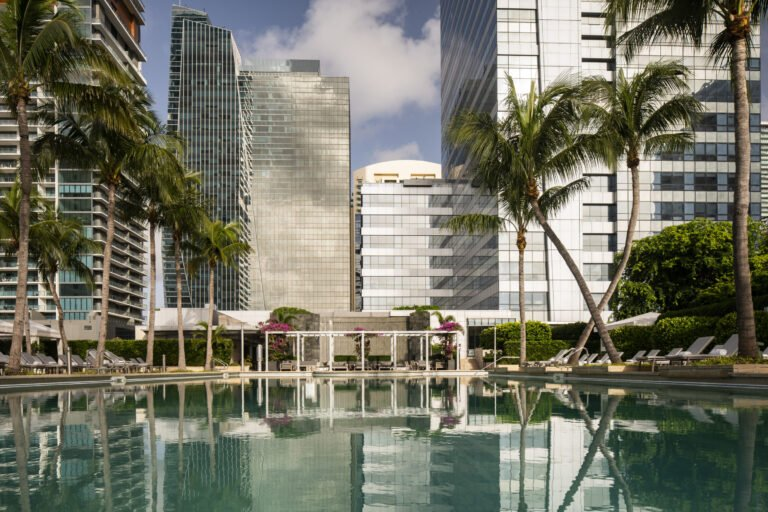 Four Seasons Hotel Miami: Review & How Best to Book
