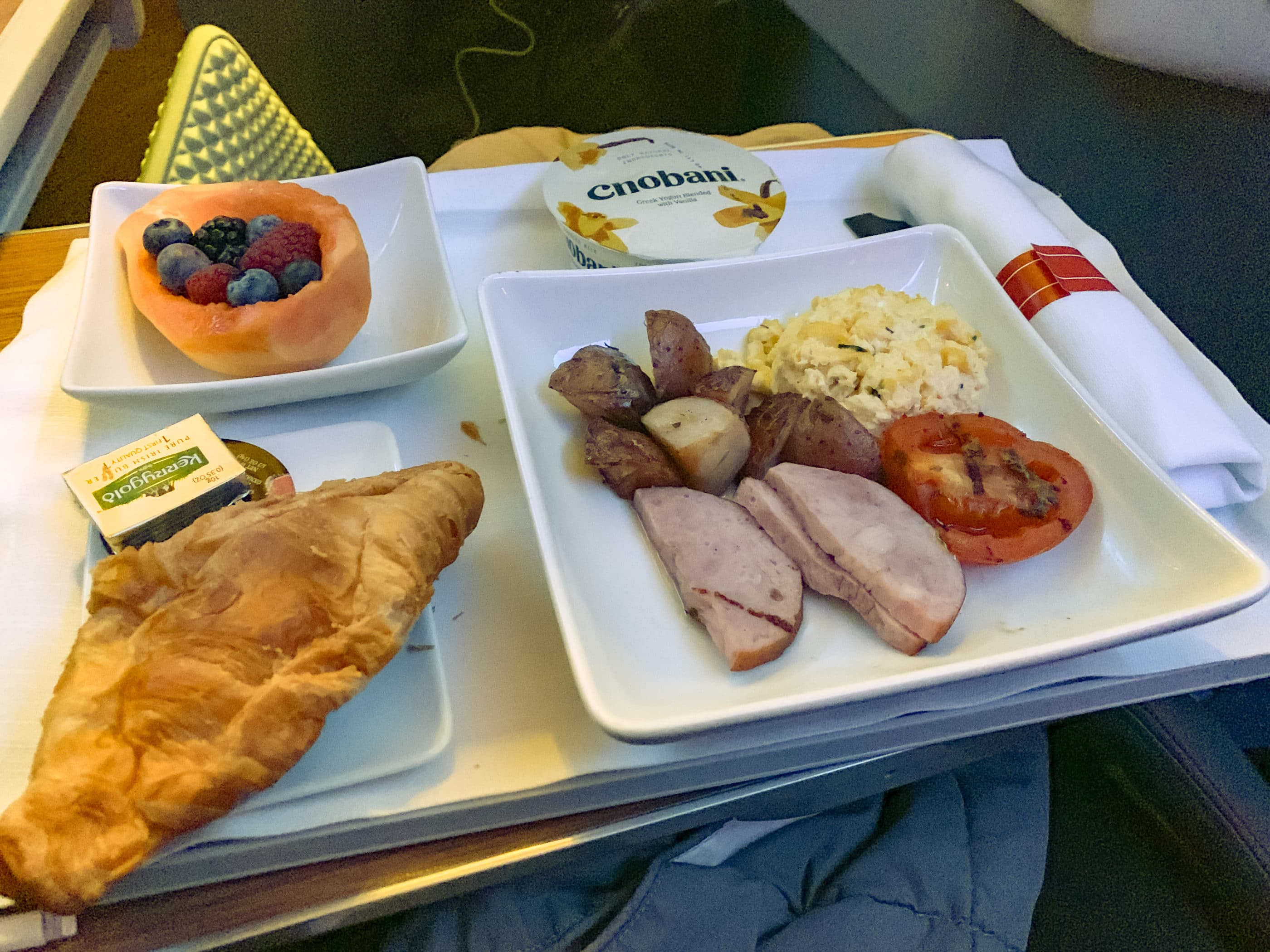 Breakfast on American Airlines business class from Los Angeles to Hong Kong