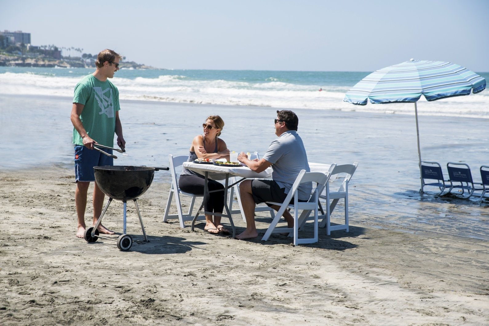 A beach barbecue at La Jolla Shores Hotel