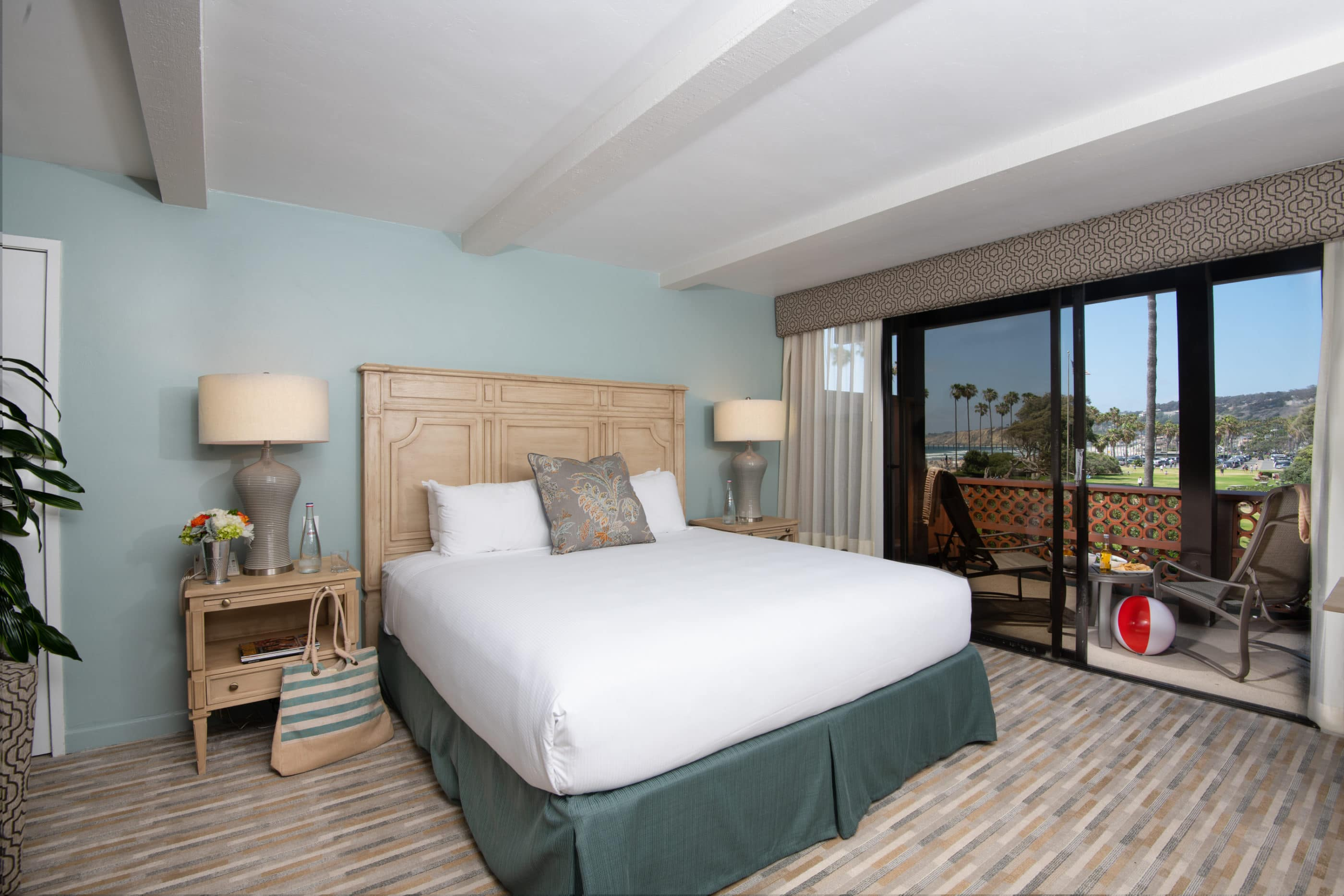 La Jolla Shores Hotel coastal view room