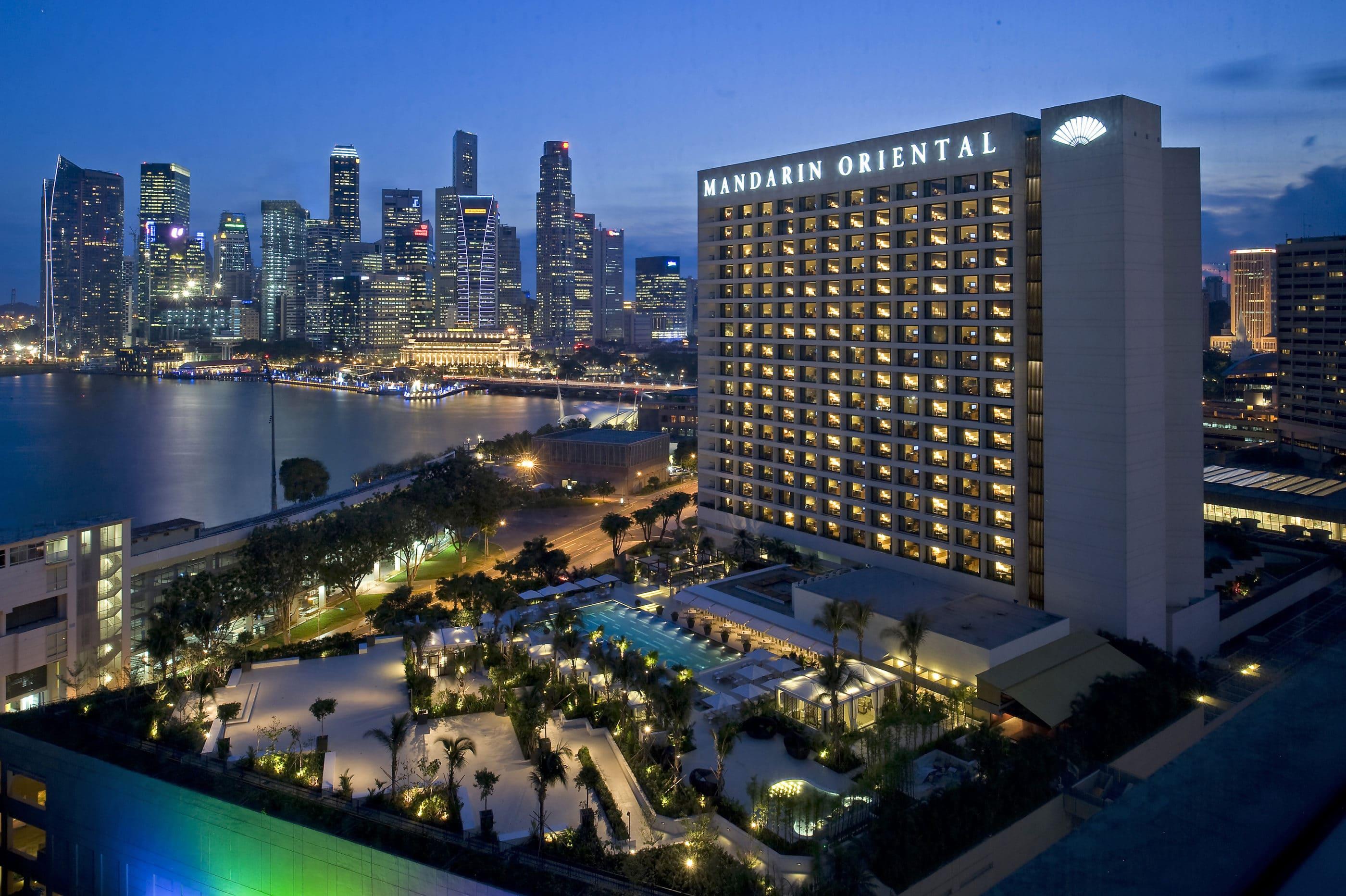 Mandarin Oriental, Singapore a luxury hotel in Marina Bay