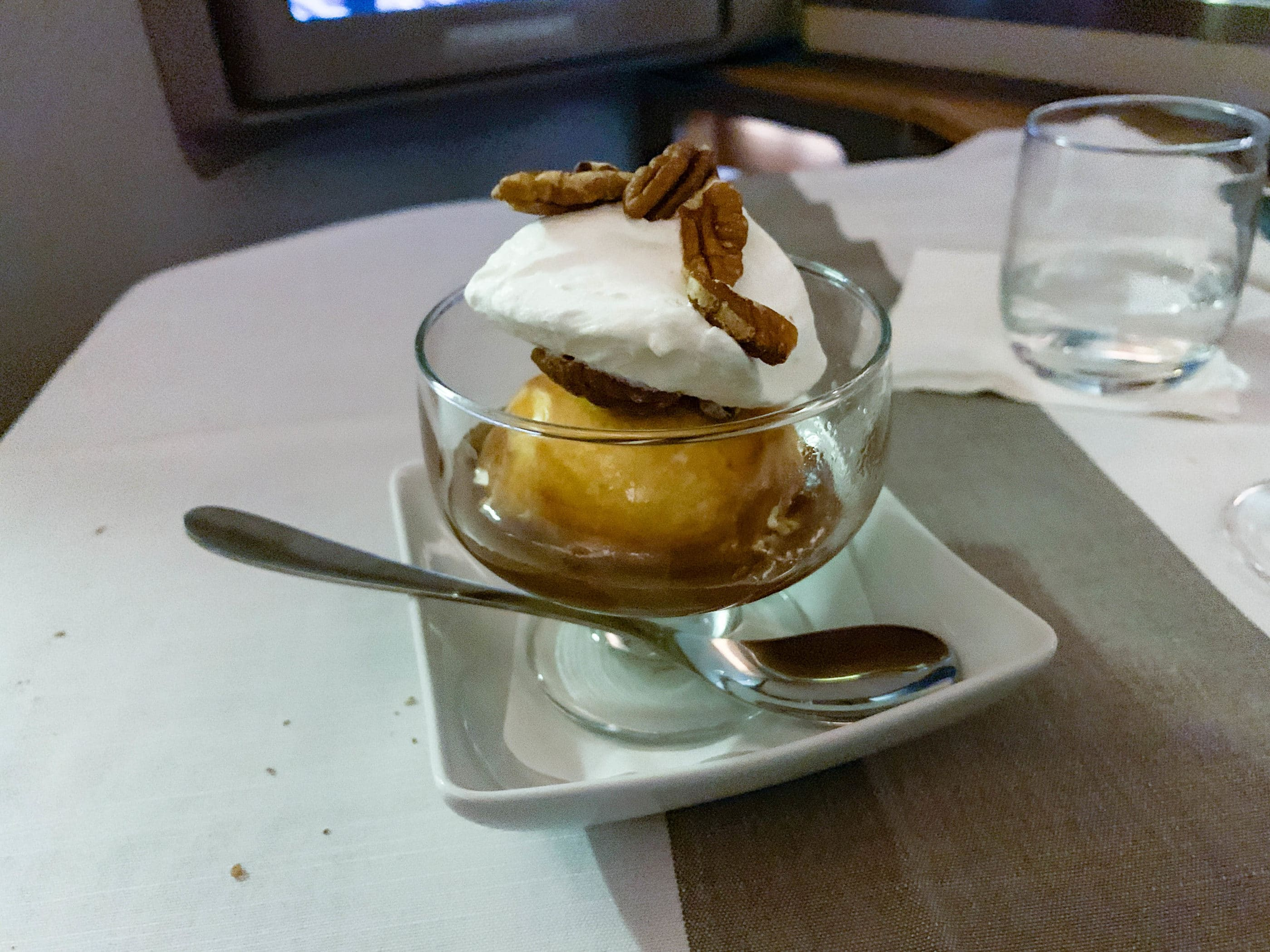 Ice cream sundae on American Airlines flight 182 from HKG-LAX in first class