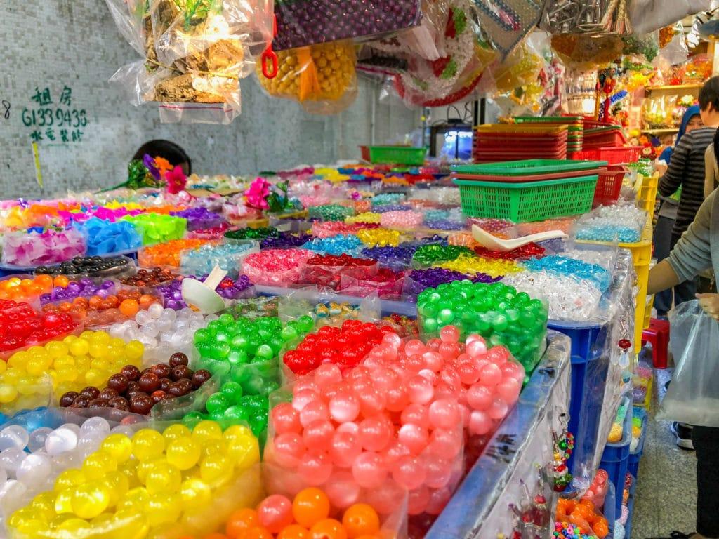 Hong Kong shopping: Bead Street in Sham Shui Po