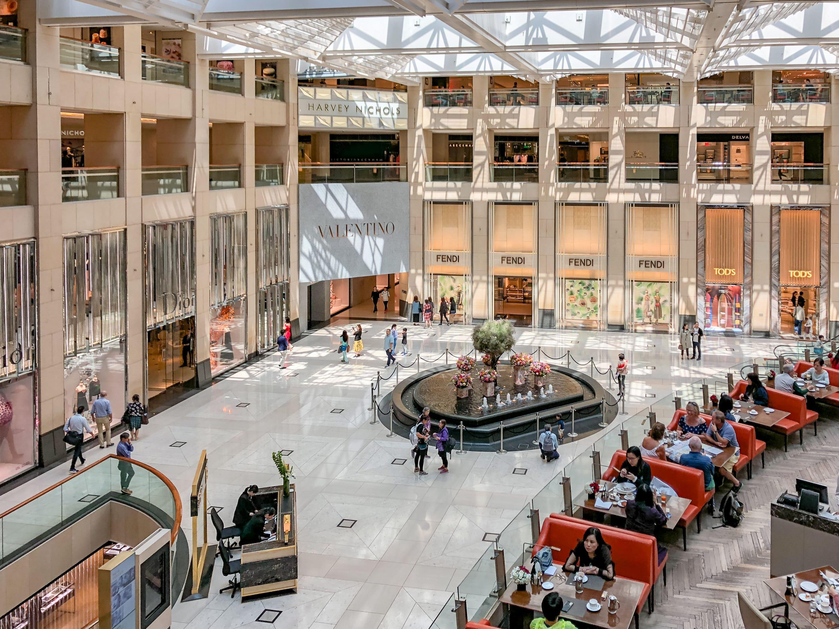 Hong Kong Shopping: The Landmark Atrium mall