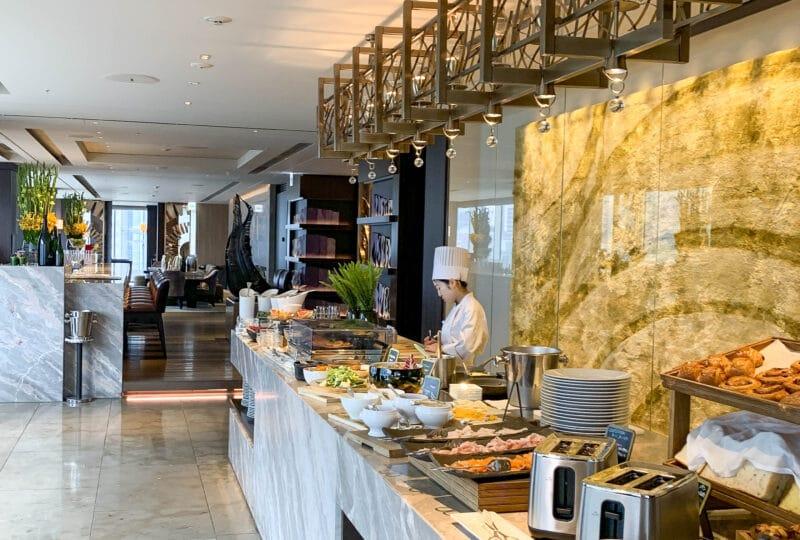 four-seasons-tokyo-breakfast-buffet