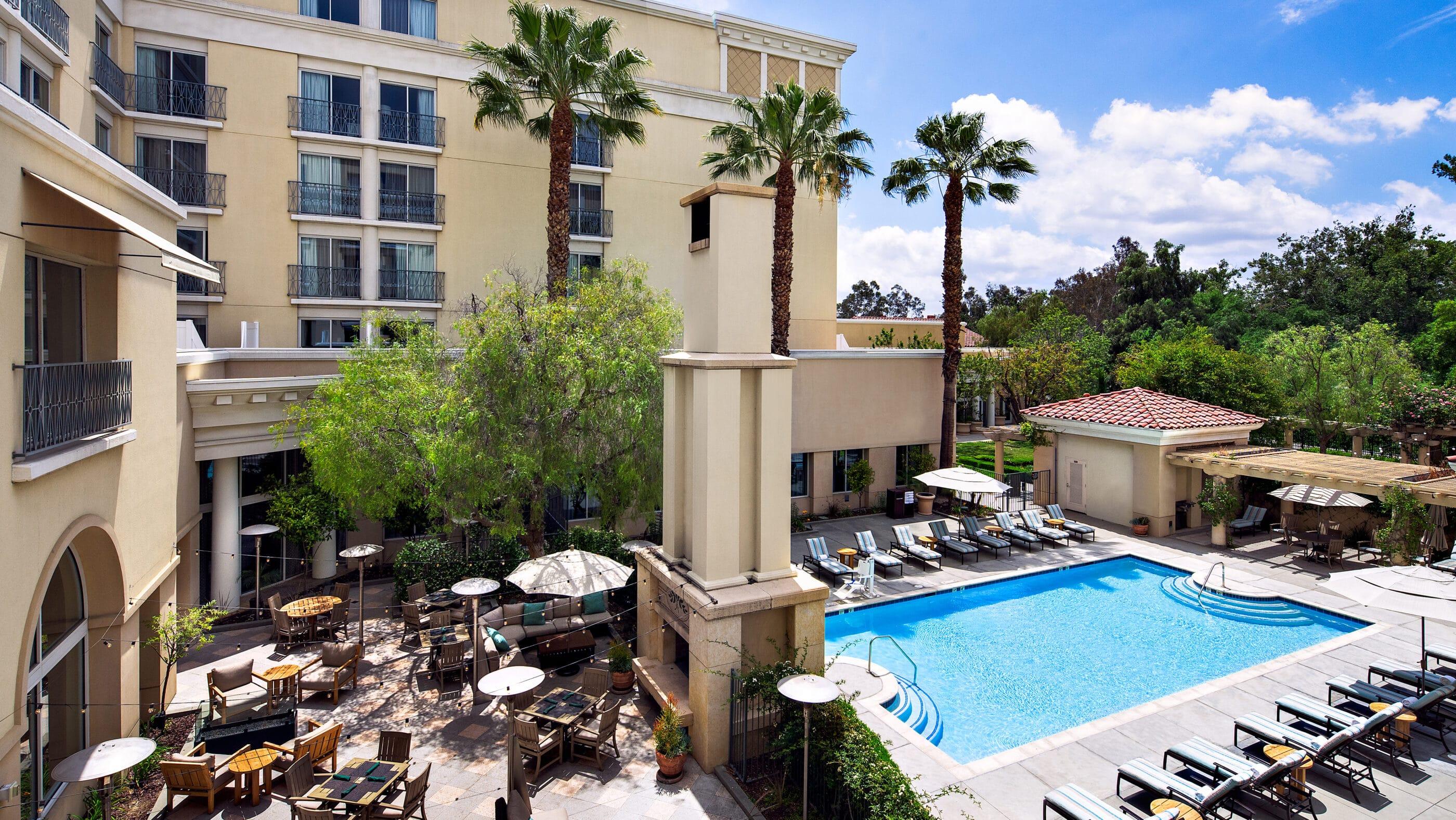 The outdoor pool at Hyatt Regency Valencia