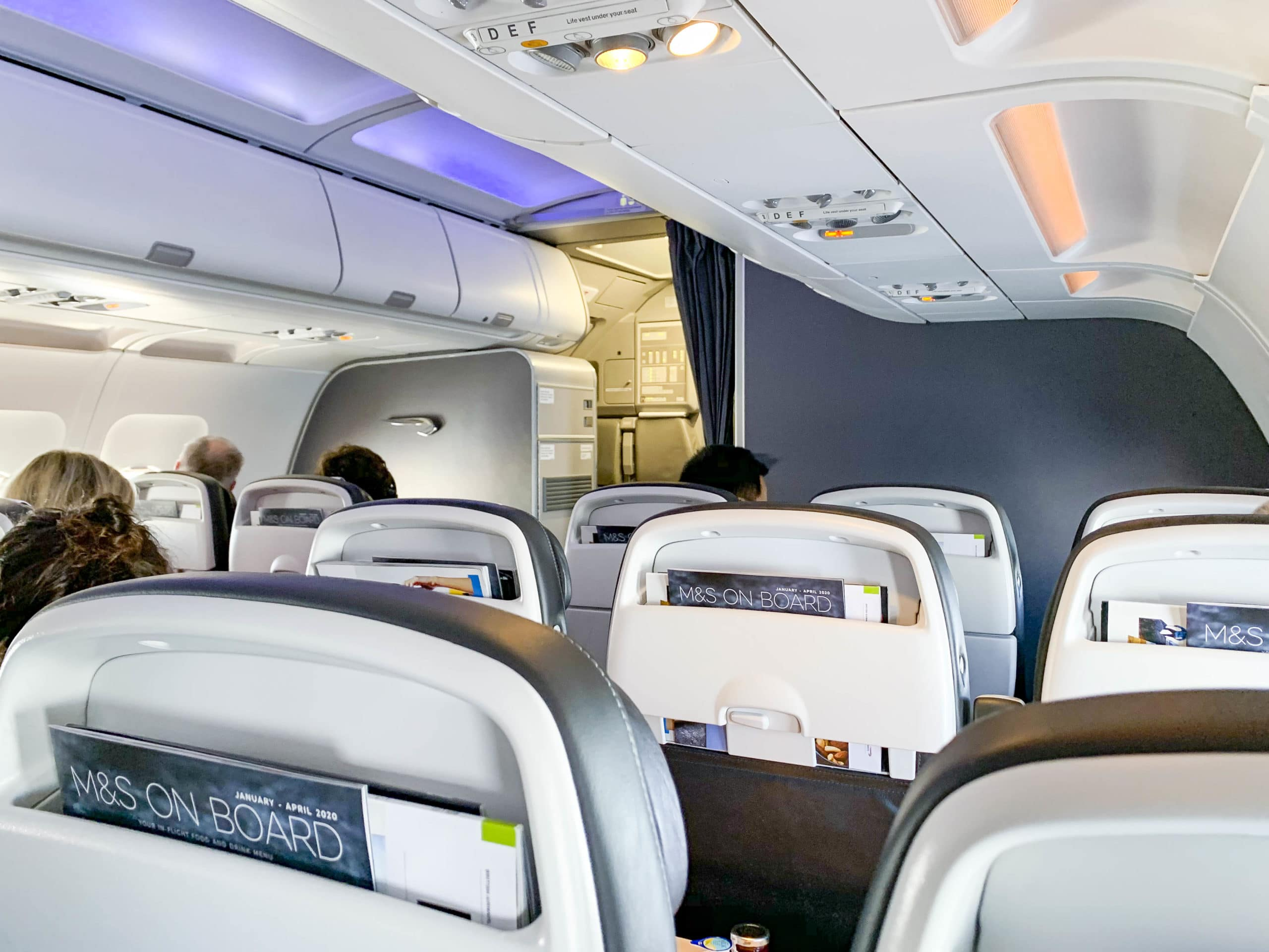 The cabin of an A320 plane in British Airways Club World business class