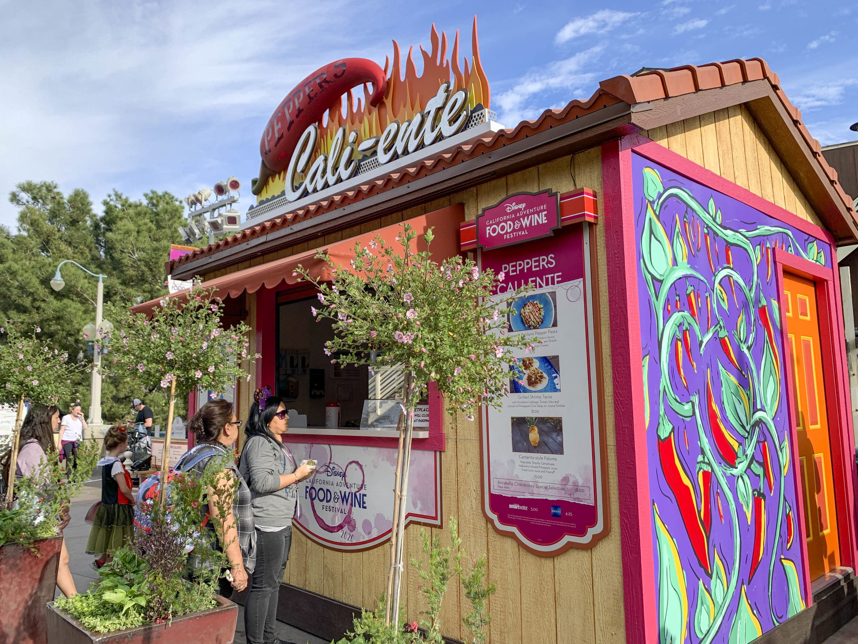 Le kiosque de Cali-ente Marketplace qui vend des plats plus épicés.