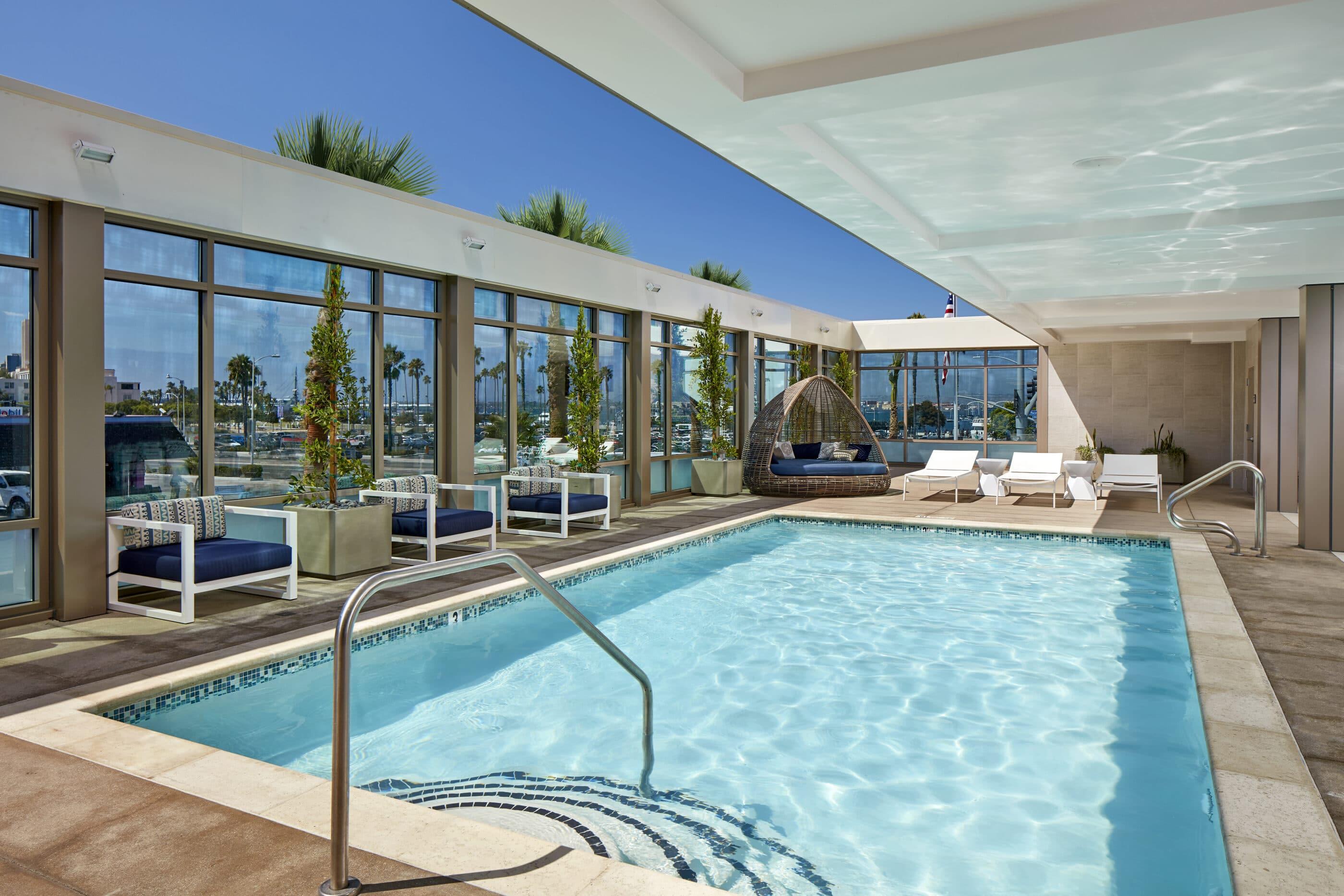 Hilton Garden Inn Bayside outdoor swimming pool