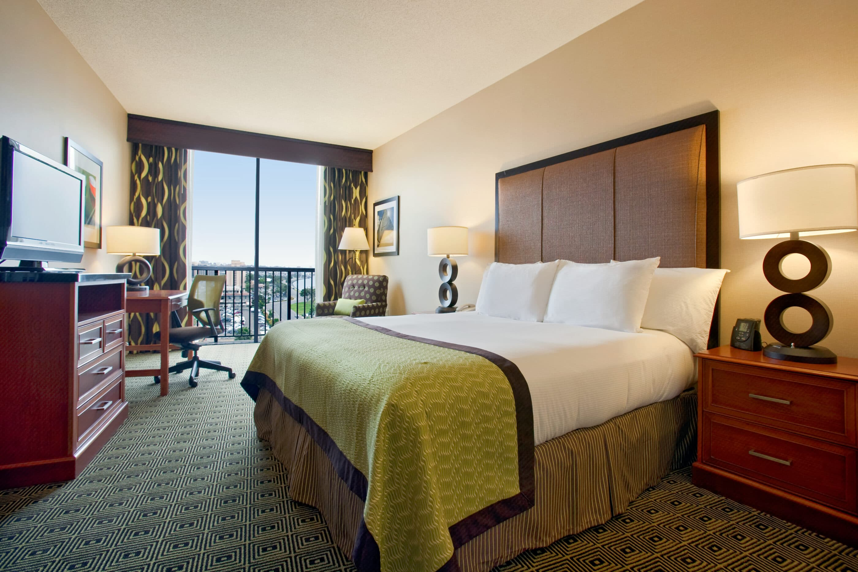 The Hilton San Diego Airport Hotel is one of the closest hotels to the San Diego airport.