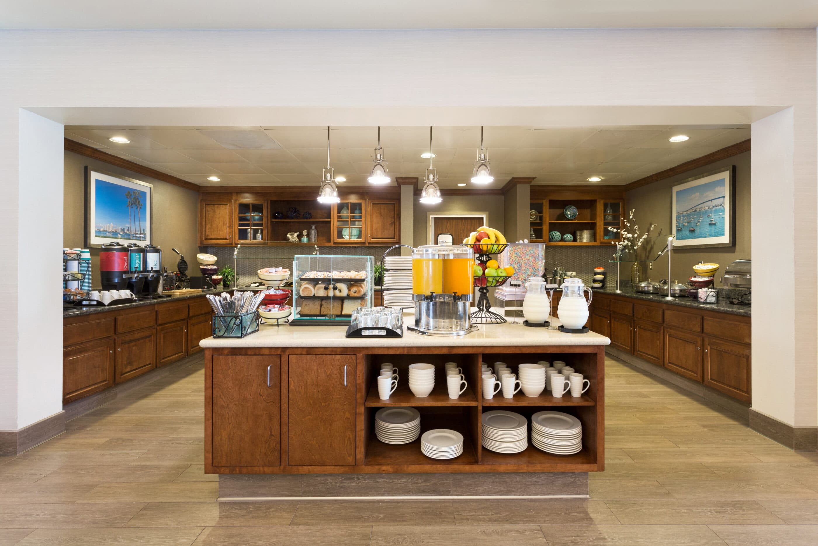 The breakfast area at Homewood Suites by Hilton San Diego Airport/Liberty station