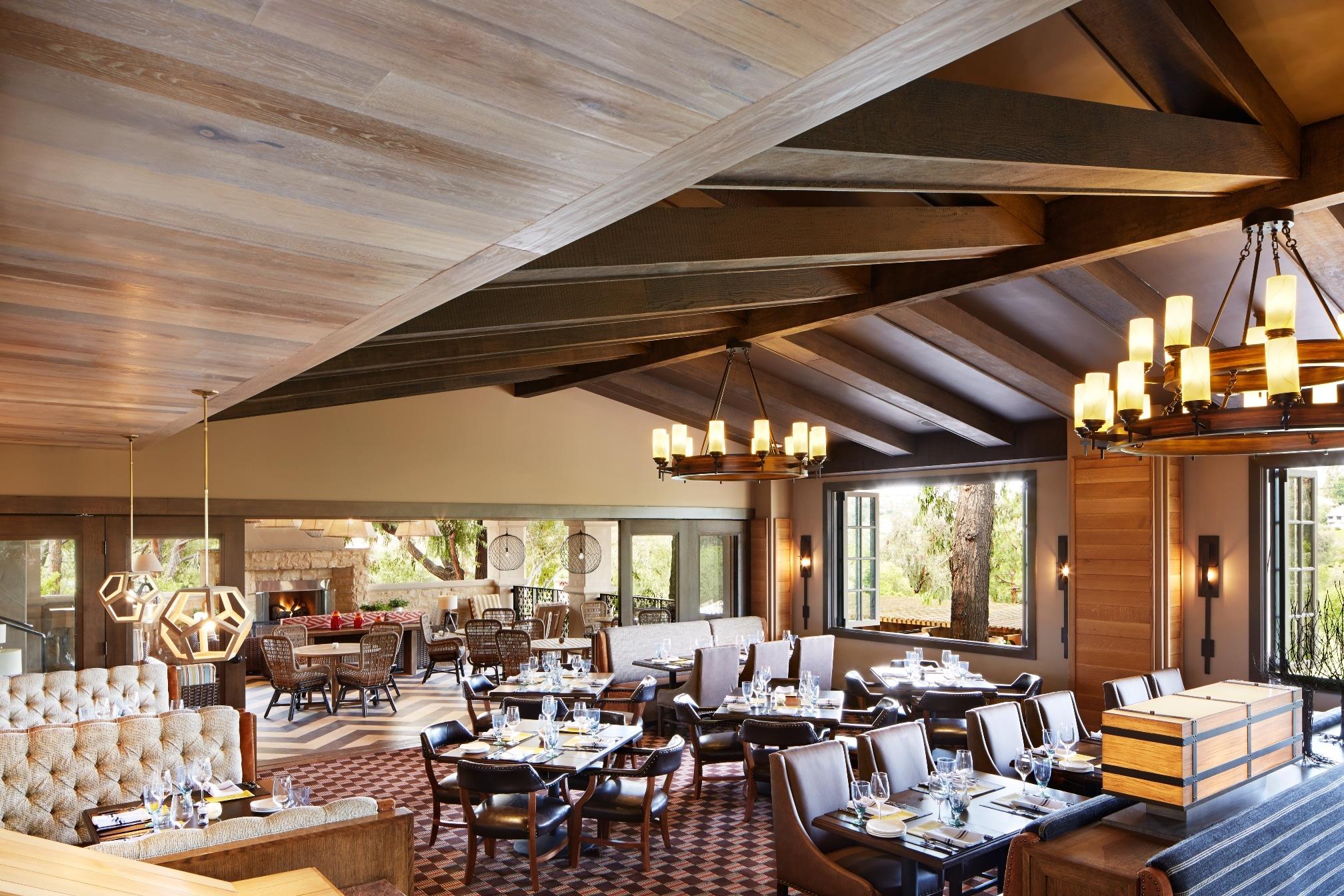 The rustic/modern interior at Avant restaurant in Rancho Bernardo.
