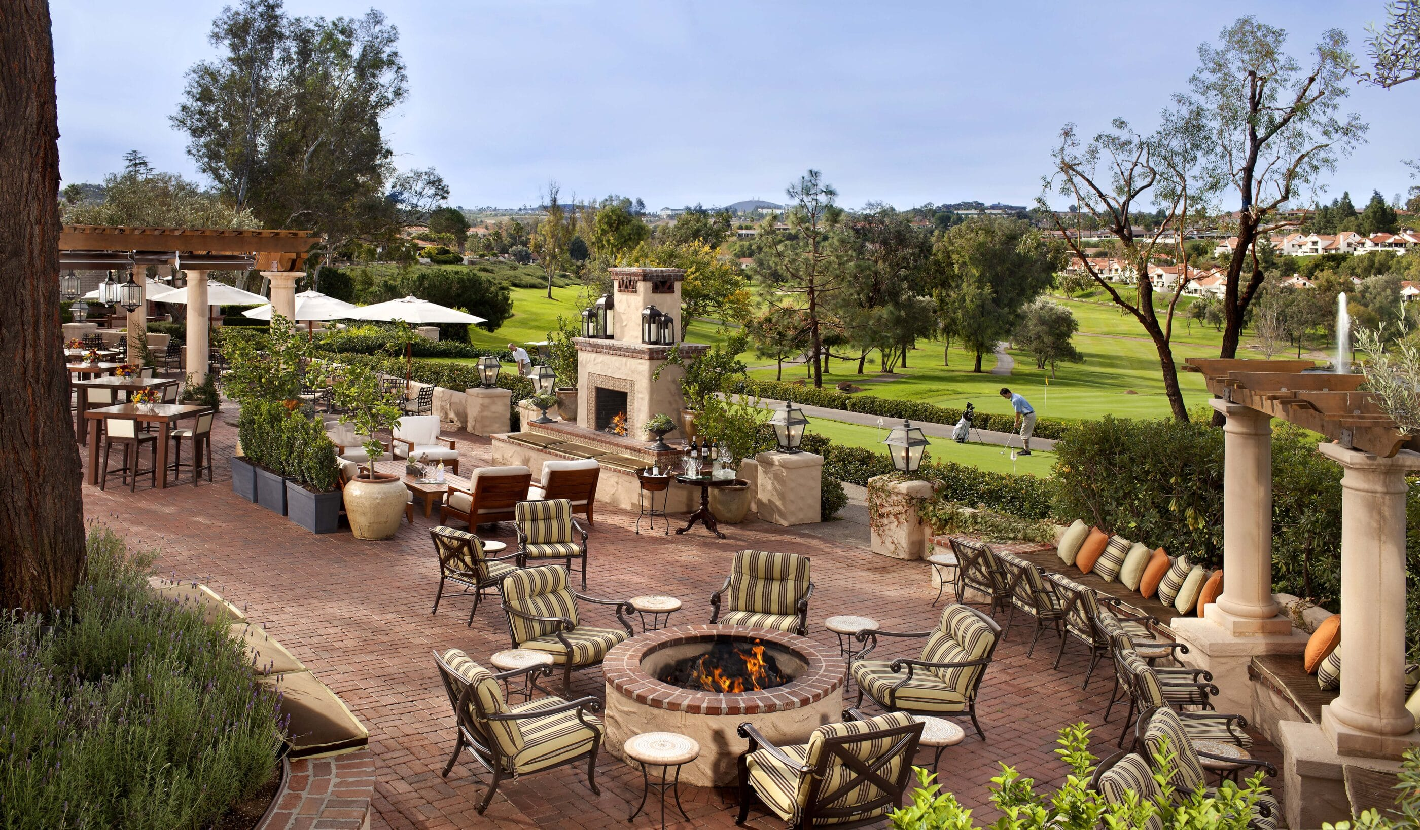 The outdoor patio and fireplace at Veranda restaurant
