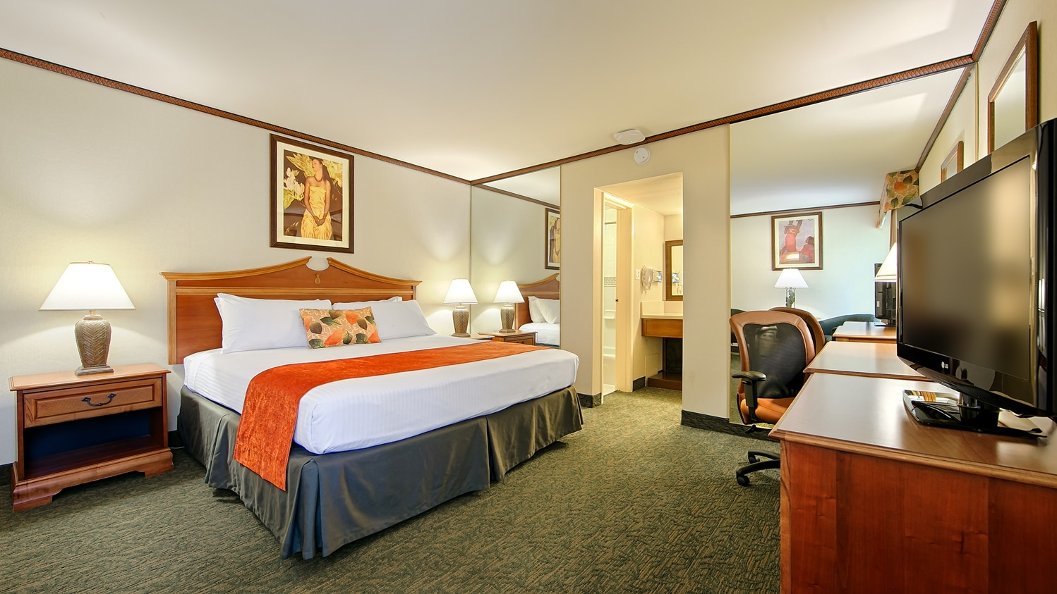 King guest room interior