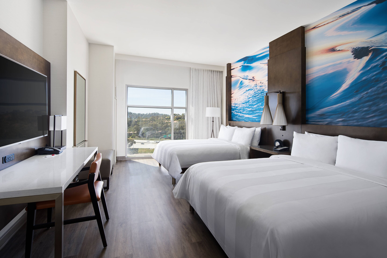 A double room interior at San Diego Marriott Del Mar